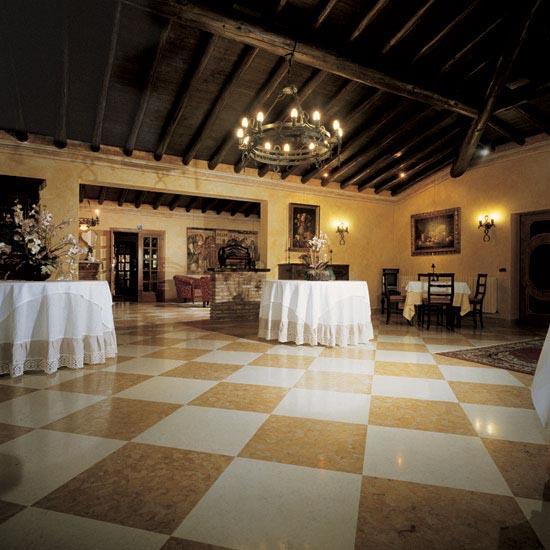 """Pavimento in marmo """"Serie Antica"""" Giallo Reale e Bianco Perlino 60 x 60 cm"""